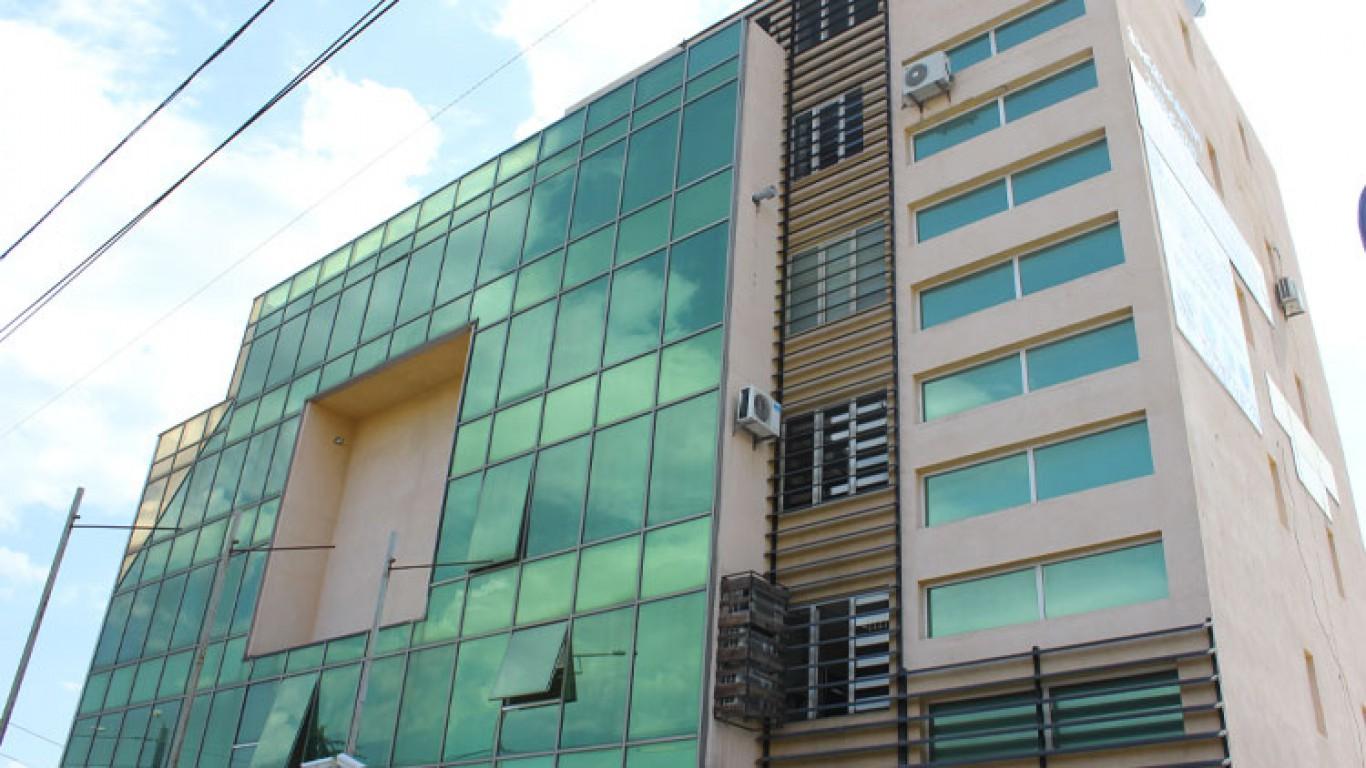 6 სართულიანი ბიზნეს ცენტრი